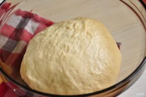 Тесто на пирожки с кефиром - фото шаг 5
