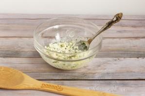 Рулетики из запеченного перца с творожным сыром - фото шаг 3