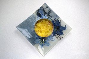 Слоеный салат с селедкой - фото шаг 7