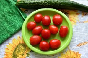 Салат с семгой, яйцом и овощами - фото шаг 2