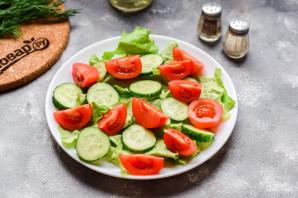 Салат с морепродуктами и помидорами - фото шаг 4
