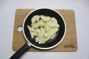 Творожная запеканка с яблоками и манкой - фото шаг 9