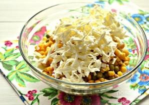 Салат из кальмаров с яйцом и сыром - фото шаг 6