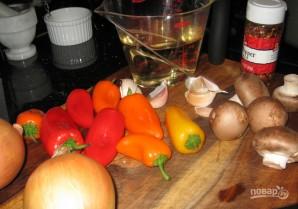 Курица в томатном соусе с грибами - фото шаг 1