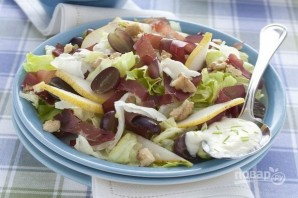 Летний салат из груш с орехами - фото шаг 4