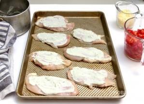 Курица с помидорами и сыром в духовке - фото шаг 1