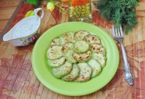 Жареные кабачки со сметанно-чесночным соусом - фото шаг 8