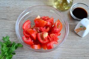 Салат из помидоров, огурцов и моркови - фото шаг 2