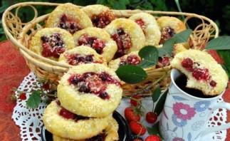 Плюшки творожные с ягодами - фото шаг 6