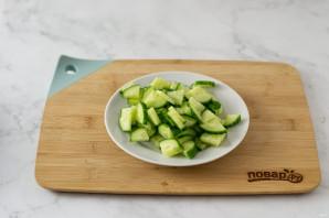 Простой салат из пекинской капусты - фото шаг 3