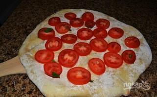 Пицца с сыром и ветчиной - фото шаг 3