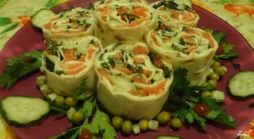 Лаваш с красной рыбой и плавленым сыром - фото шаг 3