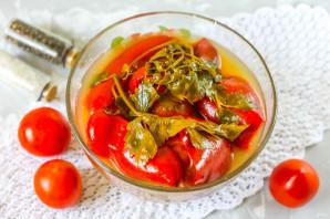 Соленые помидоры с перцем - фото шаг 8