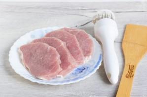 Свиные отбивные в грибном кляре - фото шаг 2