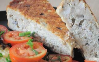 Простой пирог с курицей и грибами - фото шаг 5