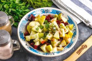 Салат из свеклы с фасолью и яблоком - фото шаг 6