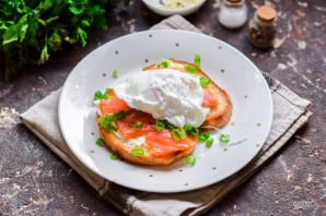 Бутерброды с красной рыбой и яйцом пашот - фото шаг 9
