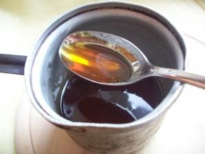 Сахарный петушок на палочке - фото шаг 3