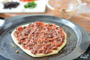 Пицца на толстом тесте - фото шаг 5