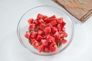 Рулетики с томатами и грибами - фото шаг 3