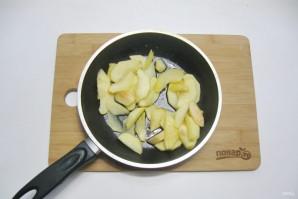 Творожная запеканка с яблоками и манкой - фото шаг 10