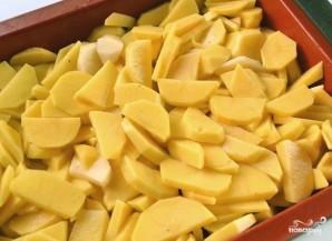 Горбуша с картофелем в духовке - фото шаг 4