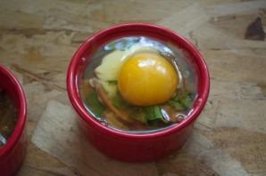 Завтрак из сосисок и яиц - фото шаг 8