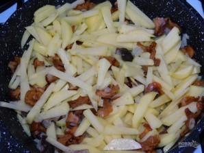 Жареный картофель с грибами в сливочном соусе - фото шаг 3