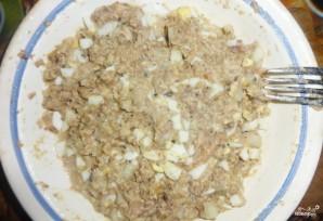 Пирог с консервой на кефире - фото шаг 1
