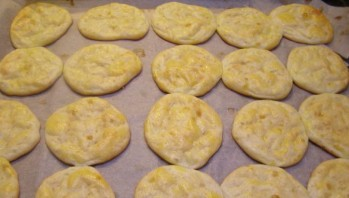Сырники в духовке - фото шаг 5