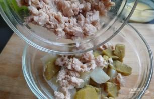 Салат с картофелем и тунцом - фото шаг 3