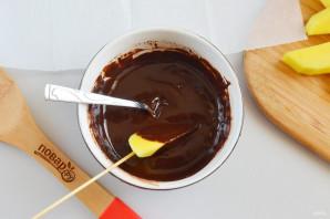 Фрукты в шоколаде