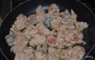 Жареная семга под сливочным соусом - фото шаг 1