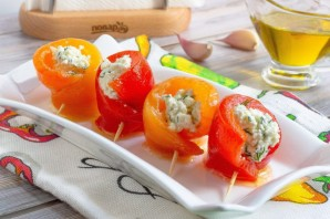 Рулетики из запеченного перца с творожным сыром - фото шаг 8