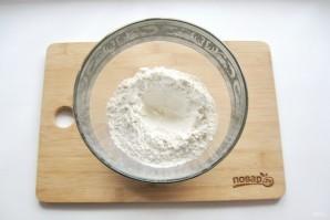Тесто для вареников на минералке - фото шаг 2