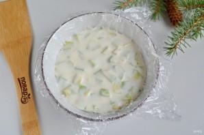Заливной салат с креветками и авокадо - фото шаг 10