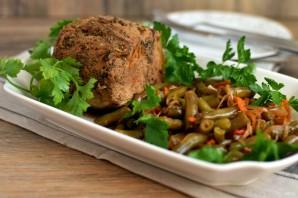 Свинина, запеченная в мультиварке, с легким овощным гарниром - фото шаг 5