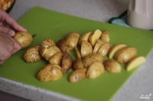 Картофель, запеченный с лисичками - фото шаг 1