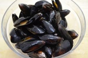 Черная паста с морепродуктами - фото шаг 3