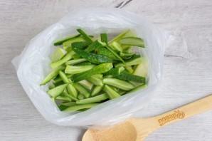 Малосольные овощи в пакете - фото шаг 4