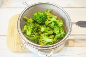 Салат из брокколи со сладкой заправкой - фото шаг 2