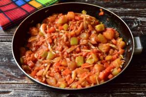 Овощное рагу с томатной пастой - фото шаг 7