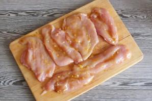 Курица в духовке в пергаменте - фото шаг 5