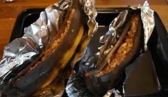 Печеный банан с медом - фото шаг 9