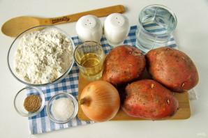 Пирог с картошкой и луком в духовке - фото шаг 1