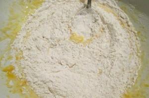 Блинчики на молоке с начинкой - фото шаг 2