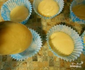Кексы в бумажных формочках - фото шаг 3