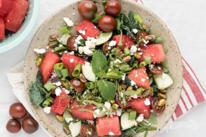 Салат с зеленью, арбузом и фетой - фото шаг 5