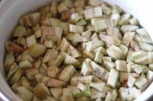 Салат из отваренных баклажанов - фото шаг 1