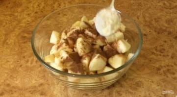 Яблочный пирог из теста на кефире - фото шаг 1